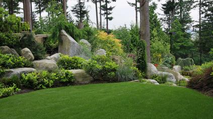 Naturnahgestalteter Steingarten