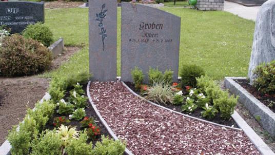 2-teiliger Gedenkstein aus Granit.